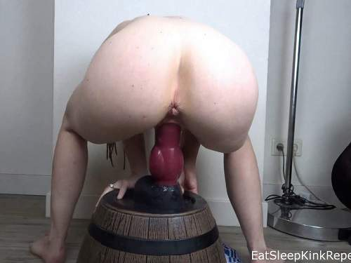 Bad Dragon – Piercing nipples wife EatSleepKinkRepeat fully rides on a rubber huge dog dildo