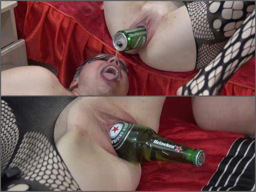 Food porn – Russian wife enjoy to gets sausage and beer bottles in wet vagina