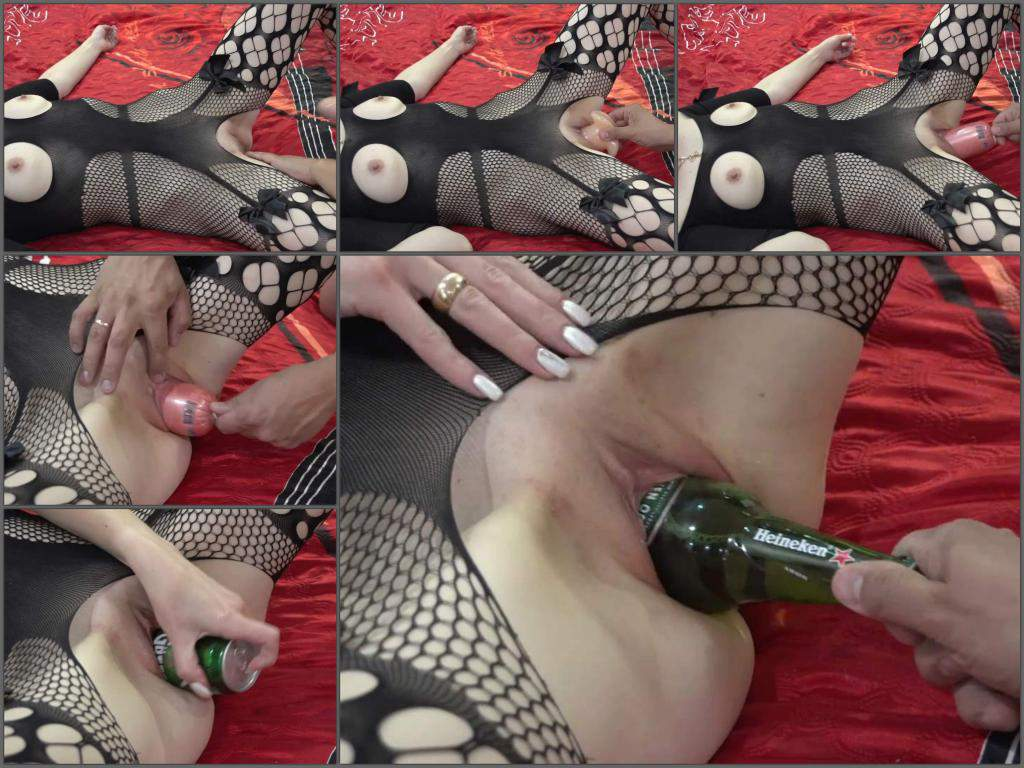 bottle in pussy,bottle sex,beer bottle fuck,beer tin in pussy,vaginal stretching,food porn,food masturbation