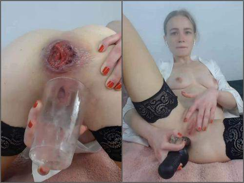 Dildo anal – Kinky german girl JanaBellaCam squirt during anal prolapse show