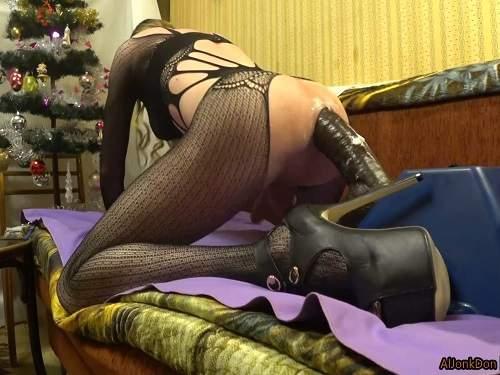 Colossal dildo – Tranny AlJonkDon BBC dildo anal rides homemade on the Christmas