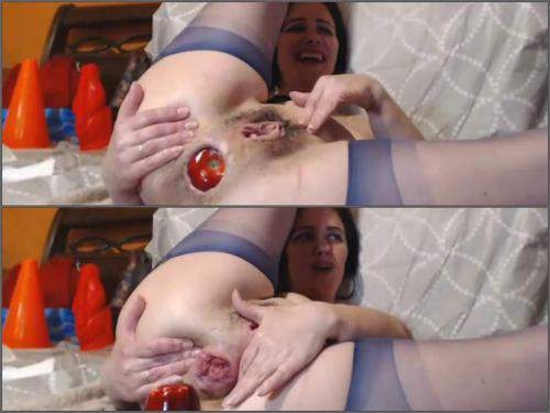 Huge dildo – Kinky brunette Analvivian with saggy tits huge apple and transparent ball in rosebutt anal