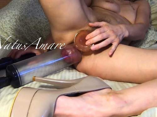 Anal pumping – Perverted petite blonde pumping her asshole and playing with pumped prolapse anal