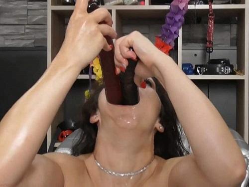 Mature penetration – Hungarian pornstar BIackangel double dildos deepthroat fuck