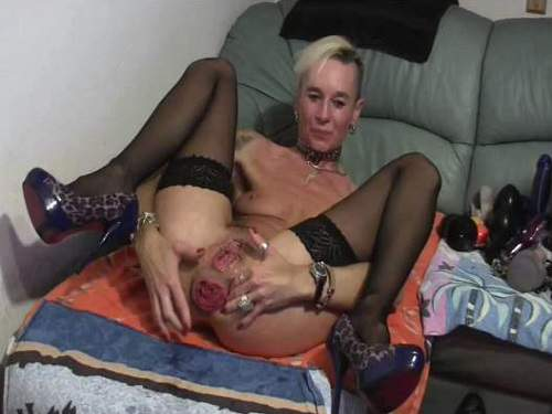 Pussy fisting – Perverted mature with rosebutt asshole gets fisted amateur porn