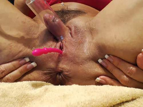 Close up – Hairy muscular milf musclemama4u pump her really sweet big clit