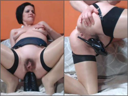 Solo fisting – Queenvivian big black dildo and fisting sex extremely close-up