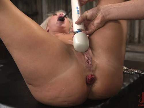 MILF – The dinner party: cheating wife London River gets anally creampied and prolapse