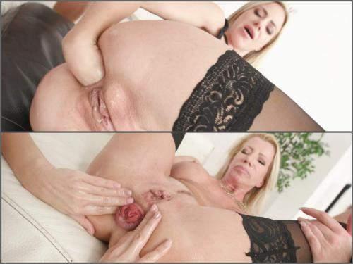 Gaping anal – Natalie Cherie and Lara De Santis anal rosebutt and amazing fisting sex