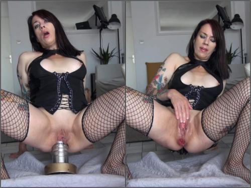 Webcam – Adeline Lafouine giant metal dildo destroys my ass – Premium user Request