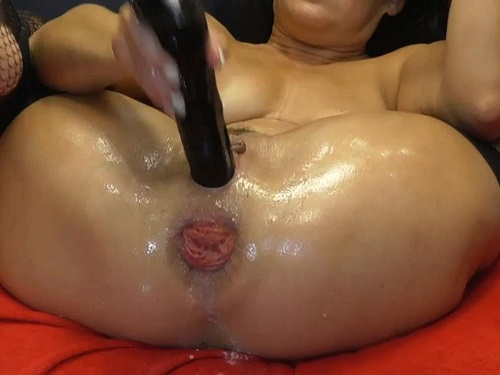 Dildo anal – Large labia MILF BIackangel closeup wet anal rosebutt terror with rubber dildo