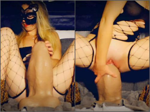 Butplug – Mayya Moore shocking dragon XXL size dragon dildos in pussy